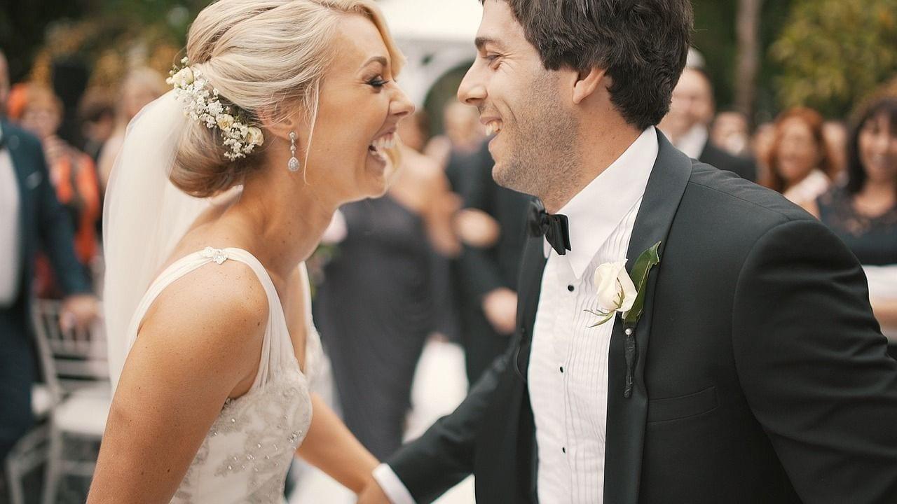 portada-blog-novedades-tendencias-boda-2017-recien-casados-invitaciones-papel-tienda-online